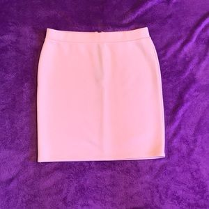Form fitting pink skirt